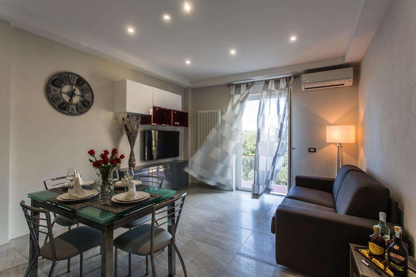Appartamento a lido di camaiore casa vacanze versilia for Salotti particolari